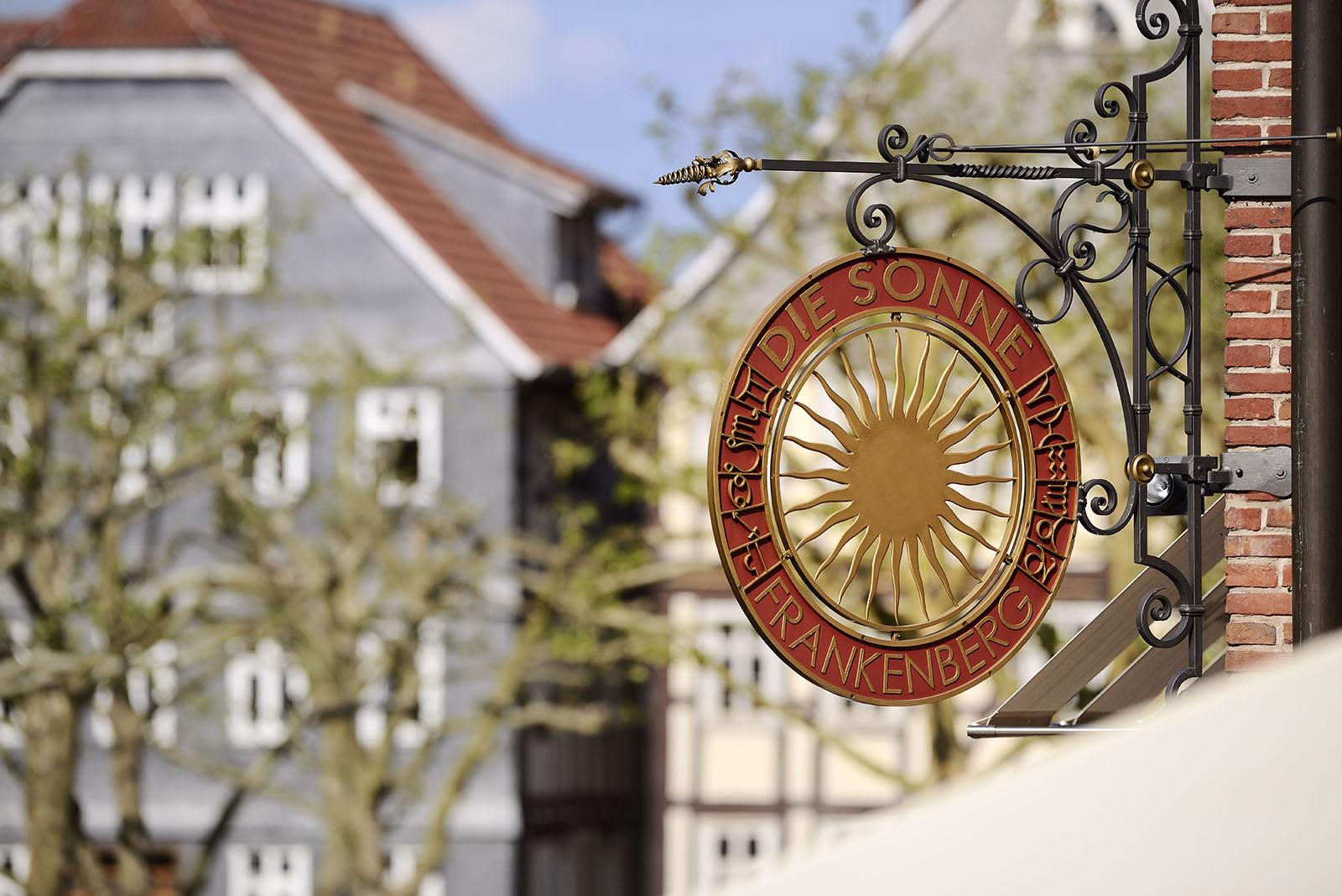Schild Hotel Die Sonne Frankenberg
