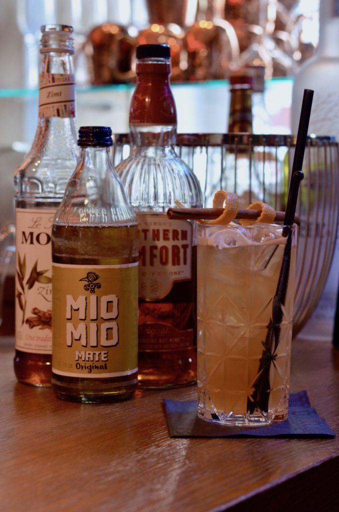 Cocktails aus der Philippo Bar: Rezept für Cini Mini & Spicy Pear Fizz