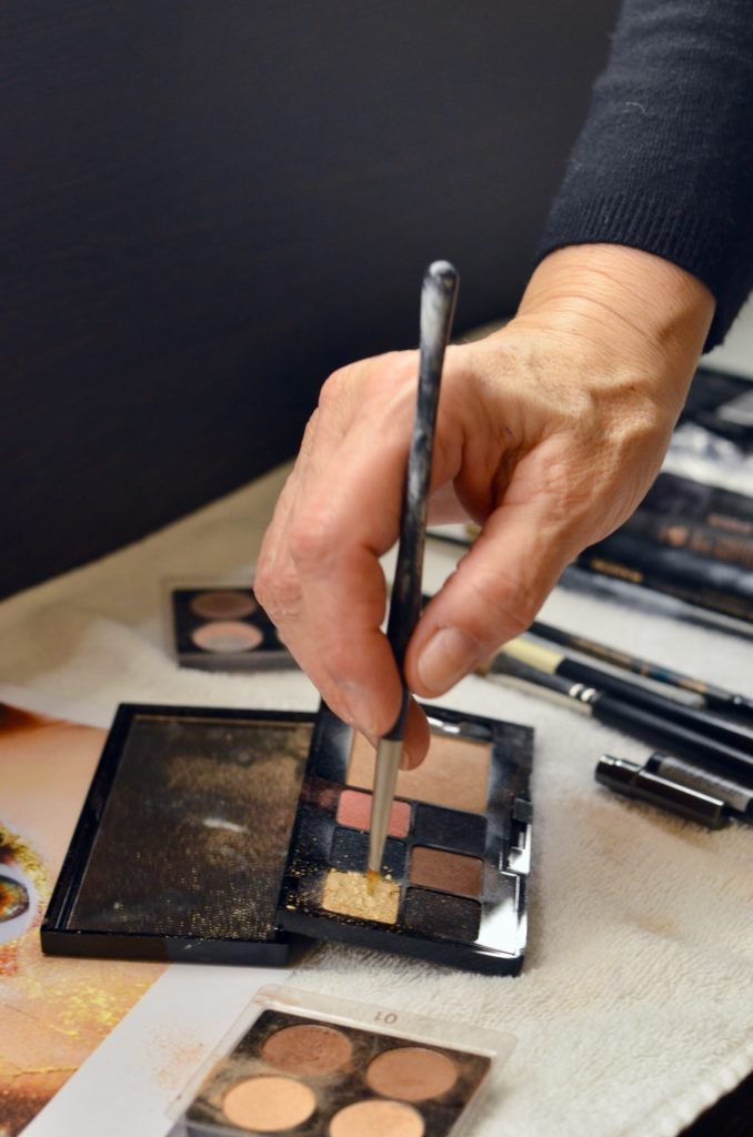 Weihnachtliches Tages- und Abend-Make-Up